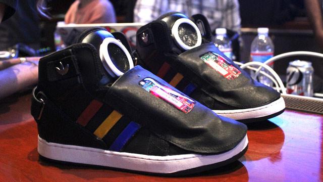 Google's talking shoe news
